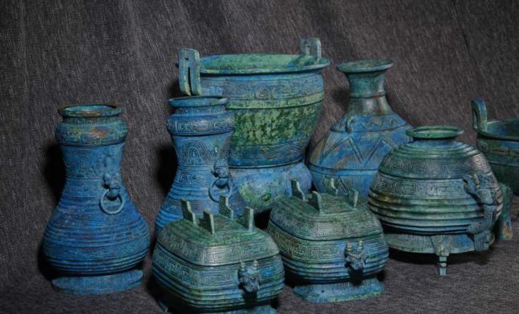 流失日本的曾伯克父青铜组器回国 系国家一级文物