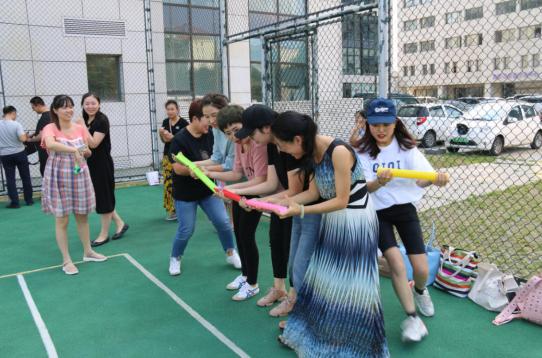 金家岭街道开展社区社工素质拓展训练 增强凝聚力