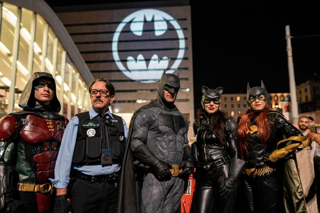 蝙蝠侠80周年 华纳与DC在十个大都市点亮蝙蝠侠灯