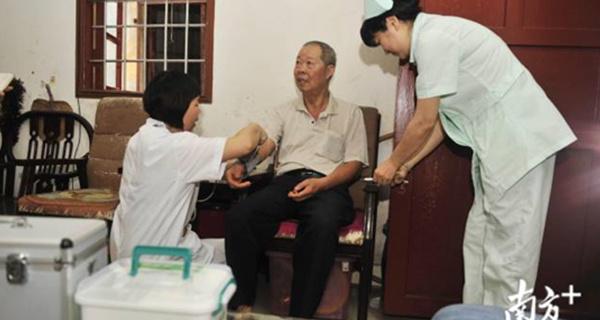"""中山:""""网约护士""""上线3个月订单超百份 护理项目75项"""