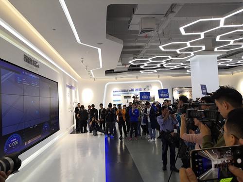 武汉将建成中国最大的5G自主驾驶示范区