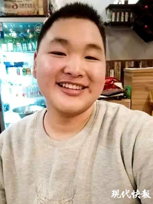 """惊叹!南工大""""励志哥""""一年减肥100斤"""