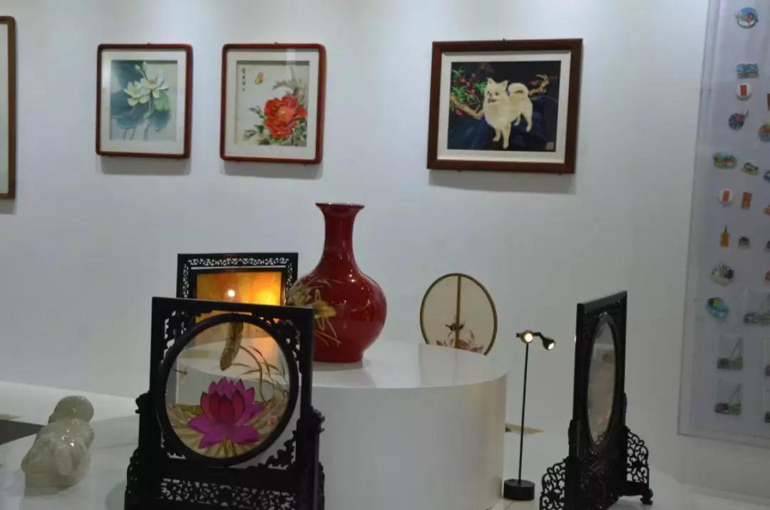 传承雄安文化,这次国际展会上芦苇画成为亮点(图1)