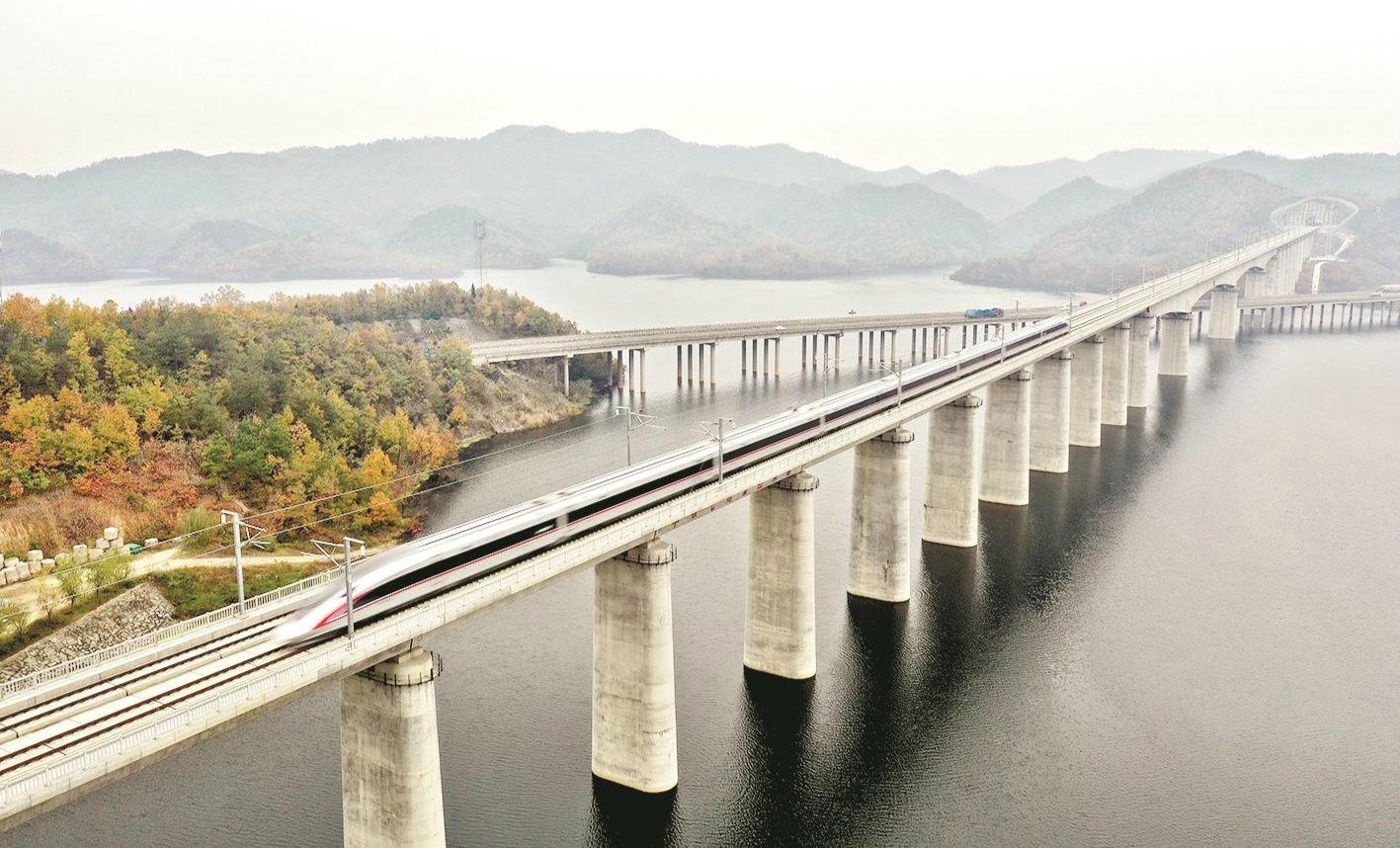漢十高鐵將開行10趟高峰班列