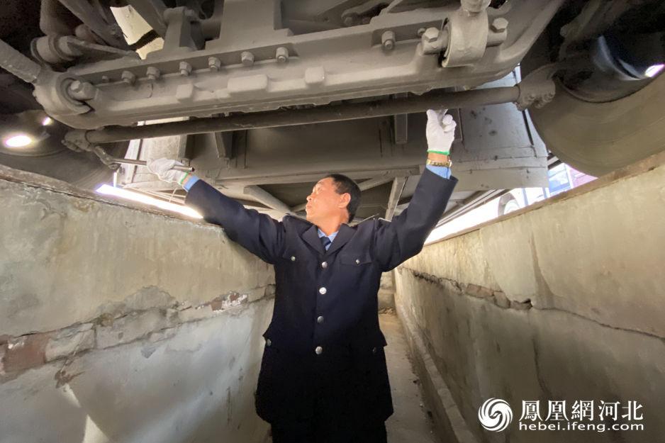 客运司机贾青杰:30年驾驶成就百