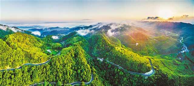 今年前10月重庆新增公路通达通畅村民小组1.1万个