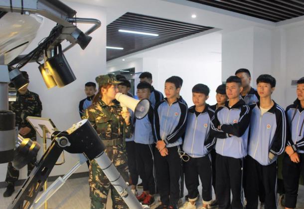军事一体化办理进校园 海南省农业学校勇当表率