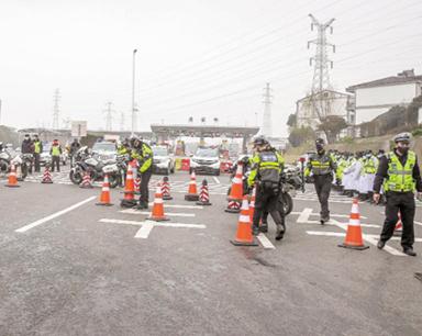 23日武汉出城高速公路封闭