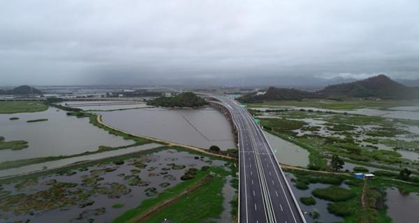 兴汕高速公路一期工程顺利通过交工验收 预计6月通车
