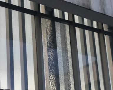 突发!合肥雷克泰国际酒店24楼外立面玻璃爆裂(图)