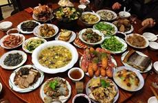 西安市消协发布春节消费警示 选家政订年夜饭注意这些细节
