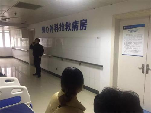 广丰街头凌晨突发命案:两伙人发生口角致1死2伤
