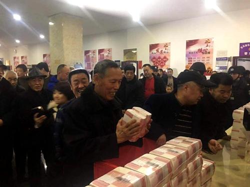 西安高陵区 农村集团经济组织收益分红让农夫乐着花