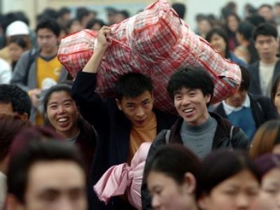 春运前十二日全国共发送旅客9.25亿人次 增长2.5%