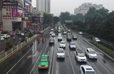 西安向3万多名出租车驾驶员倡议 假期服务不缩水