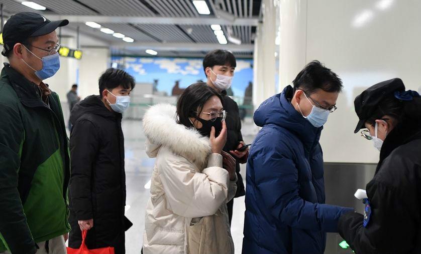 郑州:乘客乘坐地铁须佩戴口罩