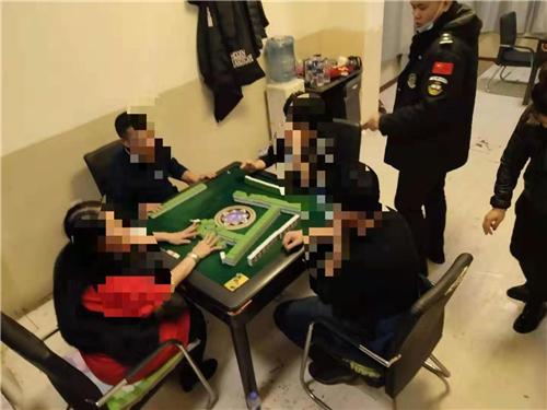 哈尔滨警方严格管控人员易聚集场所安全