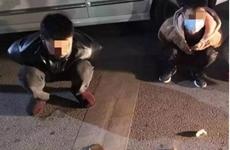 肺炎防疫期间 俩窃贼顶风作案偷盗摩托车被抓现行