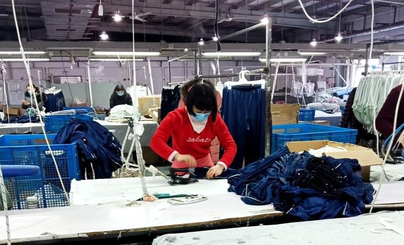 河南鄢陵:企业复工生产忙