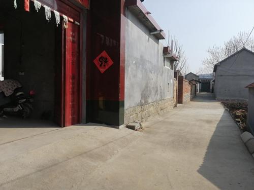 沂源县悦庄镇:群众挑起环境整治