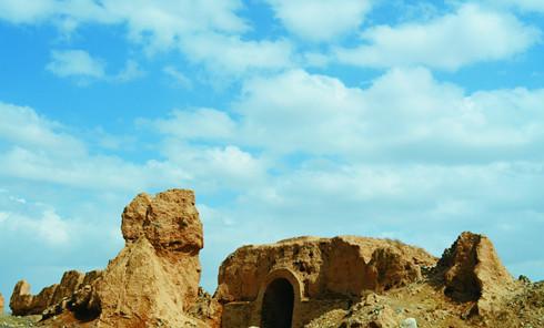 一把巨锁悬河西:峡口大漠南 横绝界中国