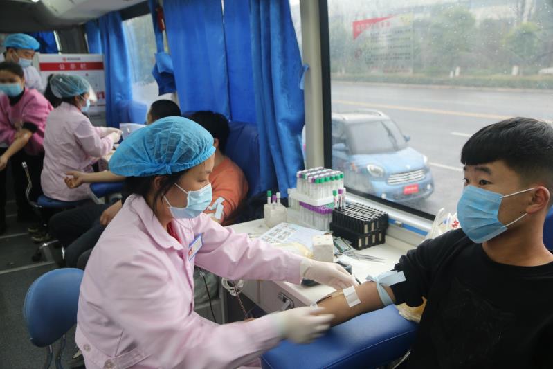 """孟州干群:我为战""""疫""""献热血"""