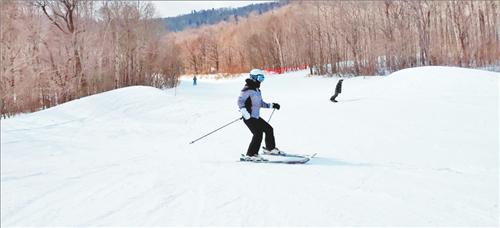 亚布力滑雪旅游度假区恢复接待游