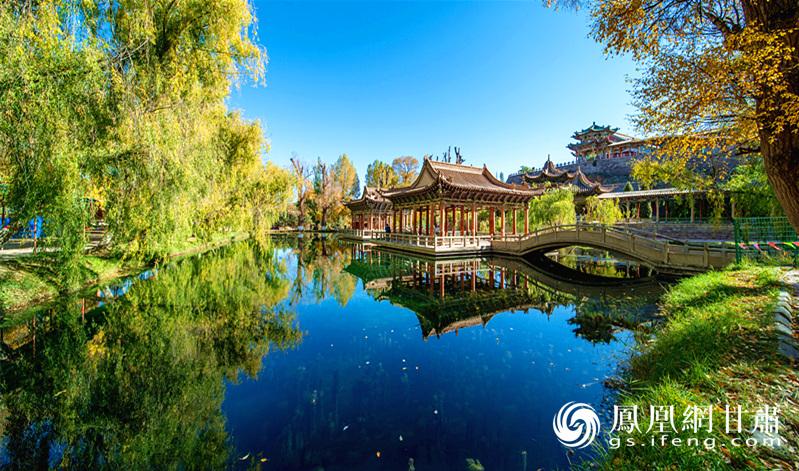 北海子公园内的湖光水色 金昌市文化广电和旅游局供图