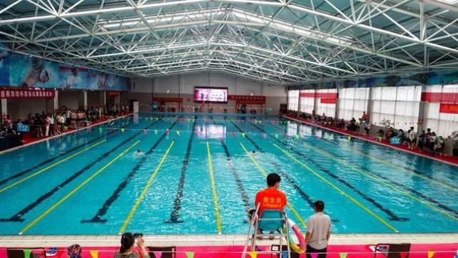 """驻马店市""""天盛·蔡河南省新闻咨询洪坊杯""""游泳公开赛举行"""