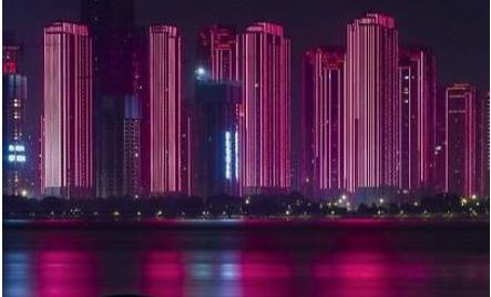 洪水过境 慢镜头下的江城之夜