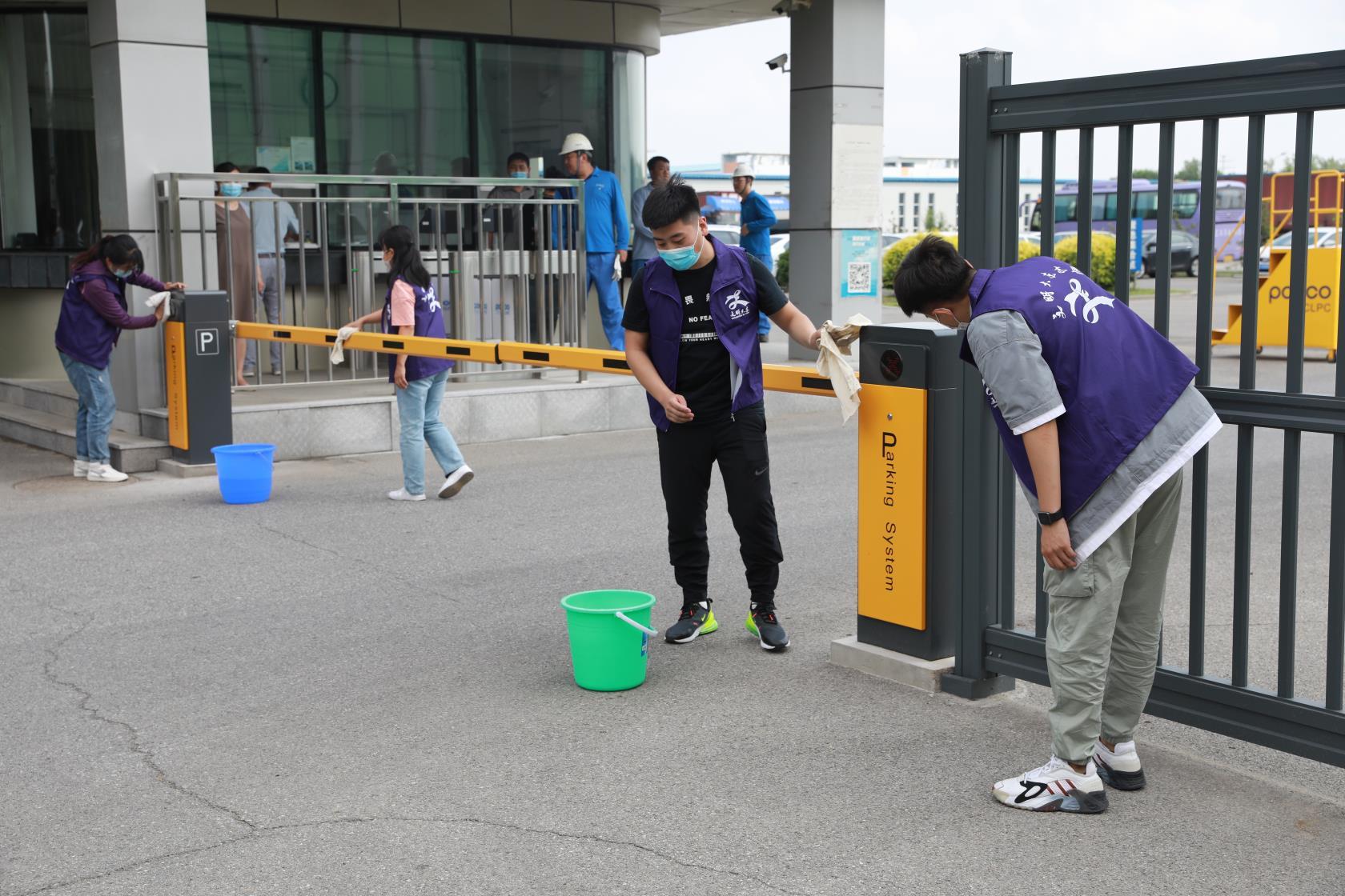 沈阳-欧盟经济开发区管委会 开展创城志愿服务活动