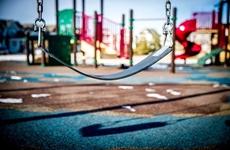 活動空間少、危險性高、聲音大……孩子能在小區聚集玩耍嗎?