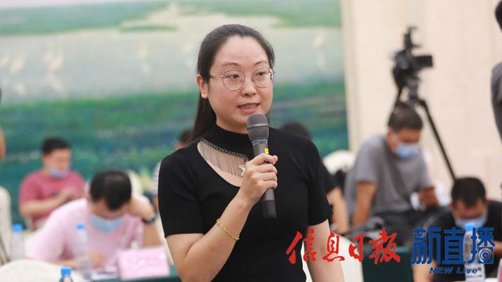香港商报提问(图片由 省政府网文颖提供)