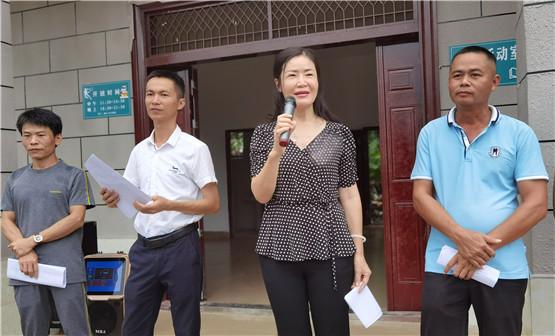 定安县首个村民理事会成立 石坡村103名村民签订承诺书 共建美丽乡村