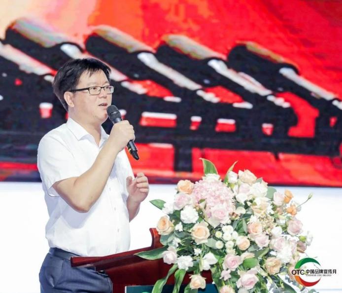 中国非处方药物协会秘书长汪鳌
