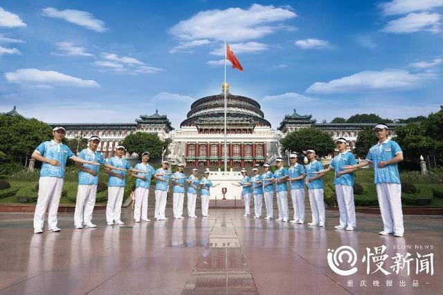 """智博会志愿者新服装亮相 1200名""""蓝精灵""""成靓丽风景线"""