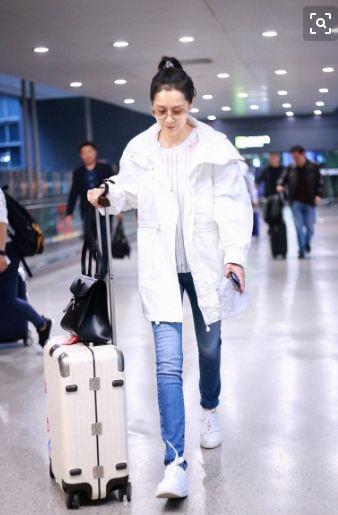 海清为中年女演员发声不贰贰可乔妆少女?穿杨幂同款过膝袜,42岁成潮爱的色放3完整版