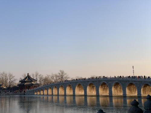 """颐和园JAYJUN樱花水热销海外,冬至十七孔桥引""""脱单祈福""""潮"""