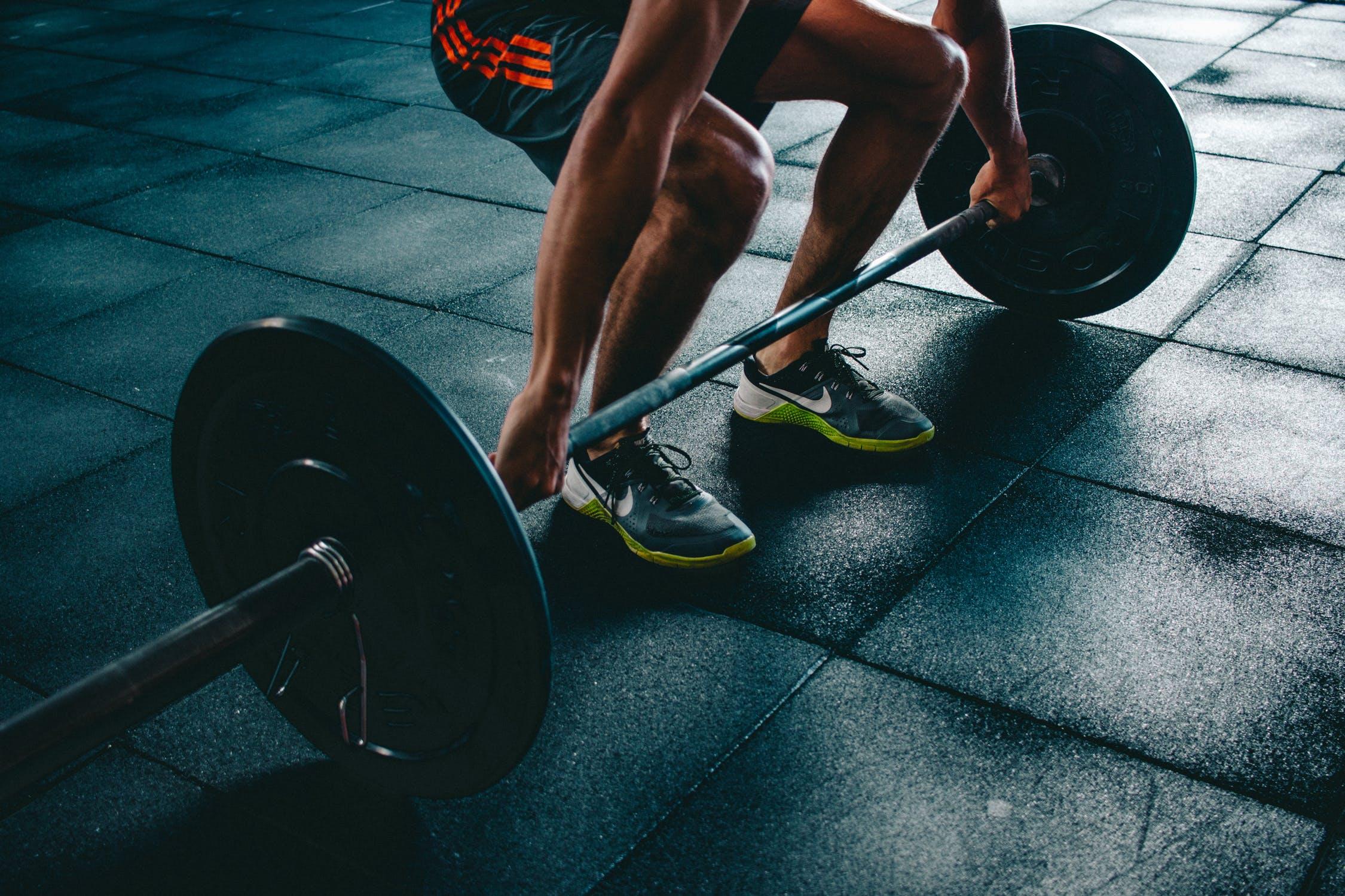 健身锻炼后,肌肉酸痛的情况下,还要继续训练吗?