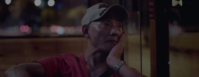 谁说只有泰国短片催人泪下?这条15分钟视频说透了爱与坚守