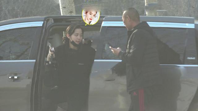欧阳娜娜携母亲看千万豪宅,疑欲定居北京?