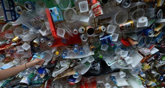 下塑料雨了!科学家证实在雨水中发现塑