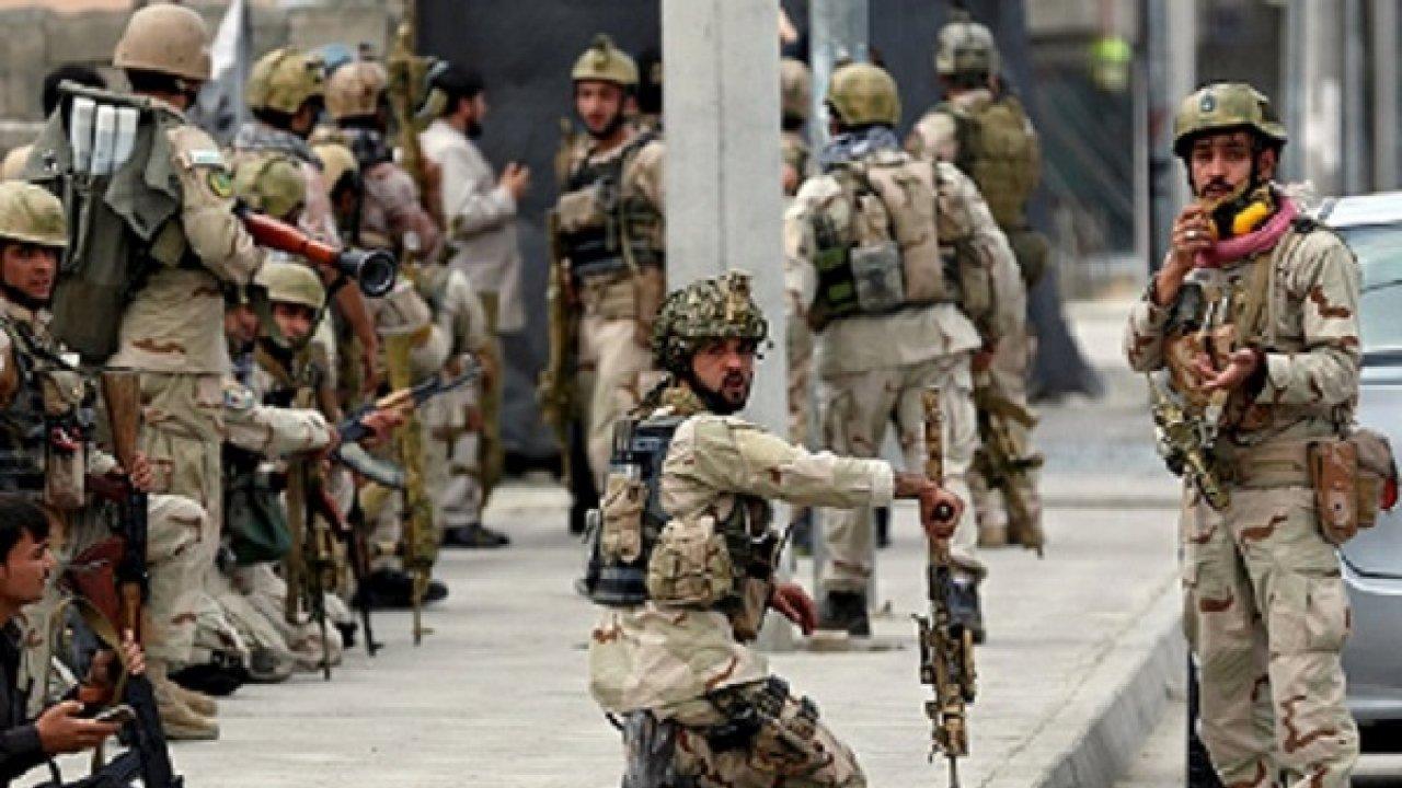 巴基斯坦腹背受敌,急调20万大军开赴前线,对手比印度更可怕