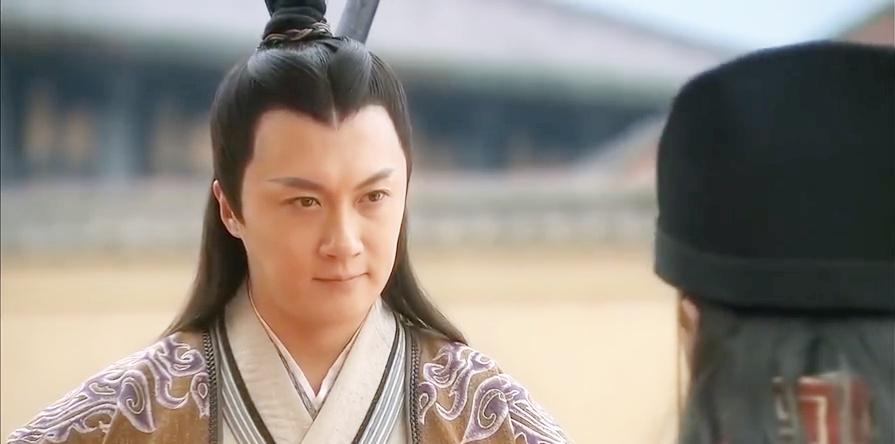 薛丁山:薛丁山武功盖世,连皇上都站了起来:这就是薛
