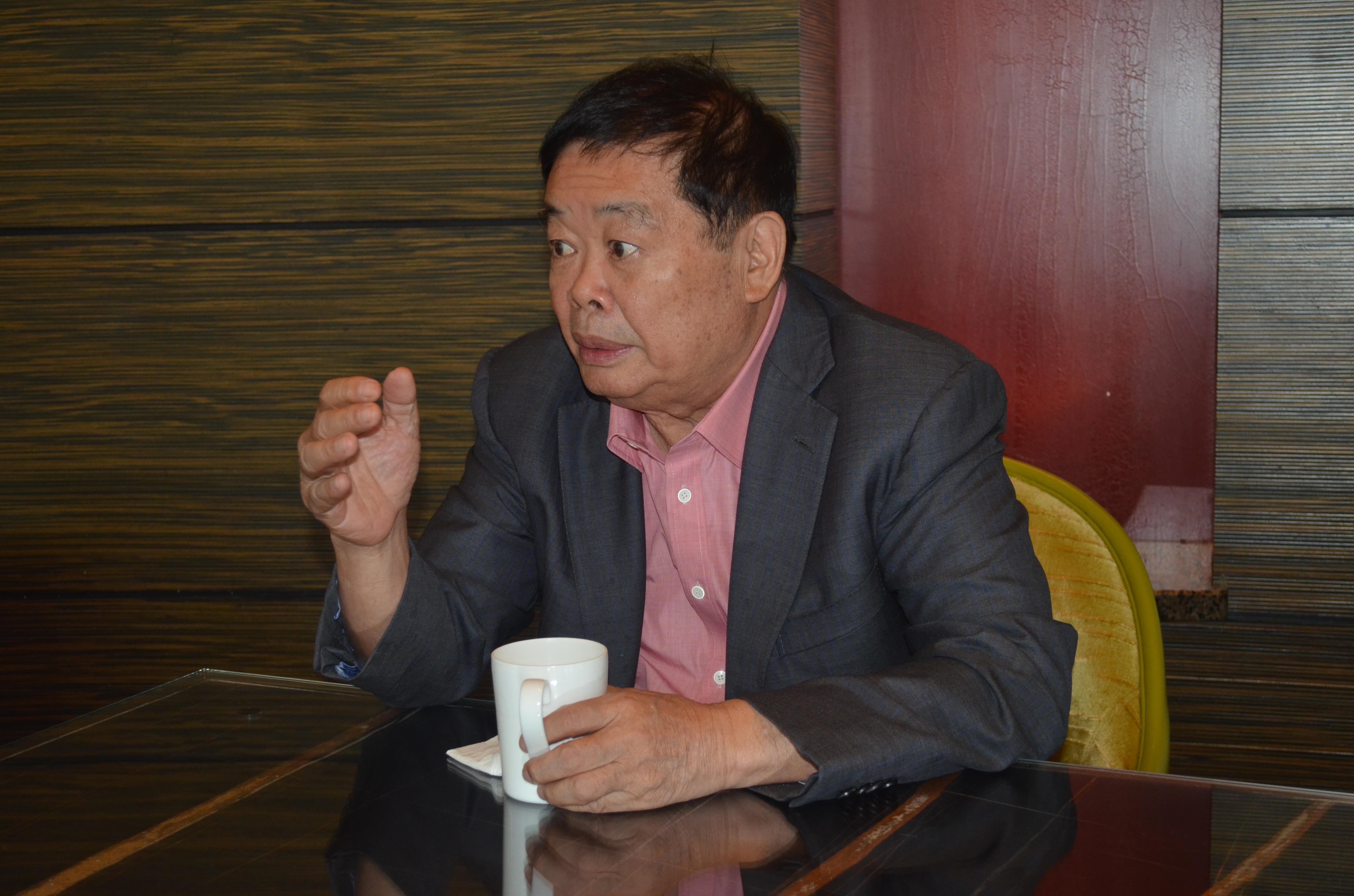 曹德旺:美国的工会制度已经不适合制造业发展