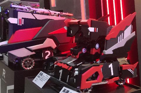 """聚焦汽车与机器人结合:""""未来战警""""VS""""变形金刚""""上演精彩对决"""