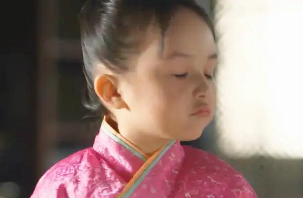 芈月传:小芈月见父王不记得她,顿时就哼了一声,惹大王都笑了