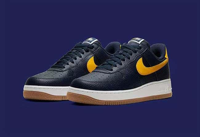 当个小海军吧!这双 Nike Air Force 1 海军蓝质感十足!