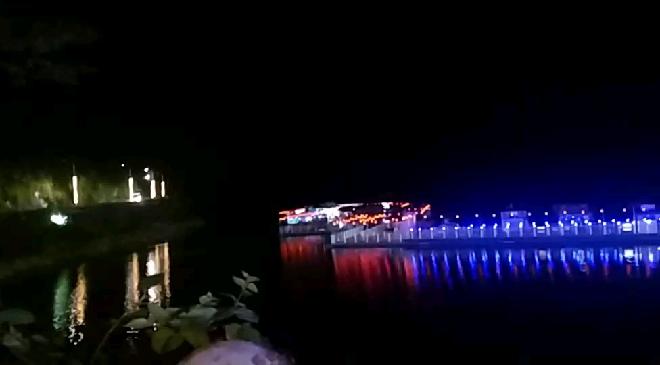 中秋十五 七彩夜色大龙湖