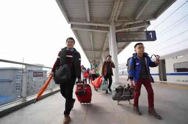 2020年春运直通车今起接受报名,送1800名旅客免费回家